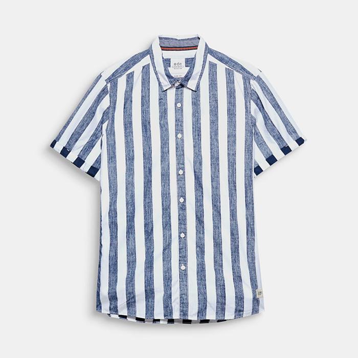9e60c29eb9c Hemd met verticale strepen. Met dit verticaal gestreepte hemd kan je zo  naar een zomerse barbecue gaan.